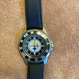Steelers watch new with out tags